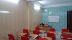 ốp tường nhựa bản 25cm phòng học