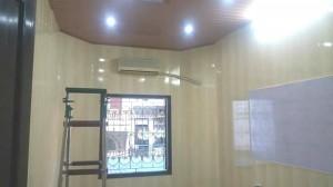 ốp tường nhựa bản 25cm vàng vân gỗ